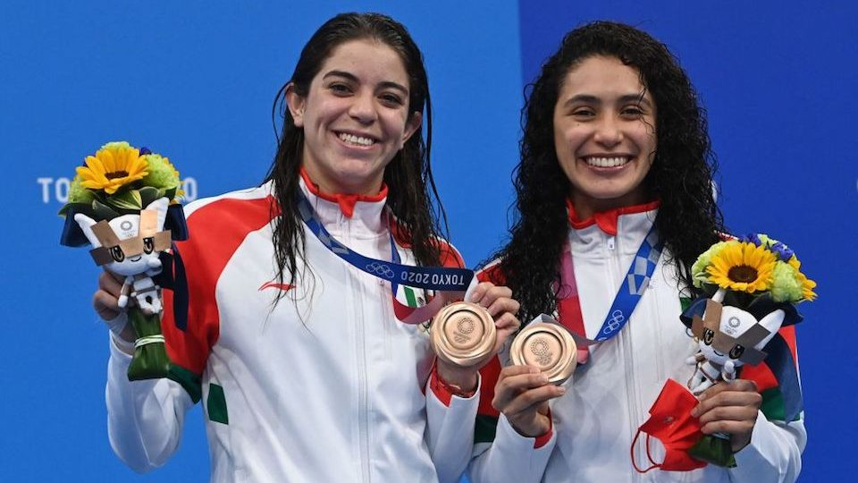 Medal of Mexico nailed