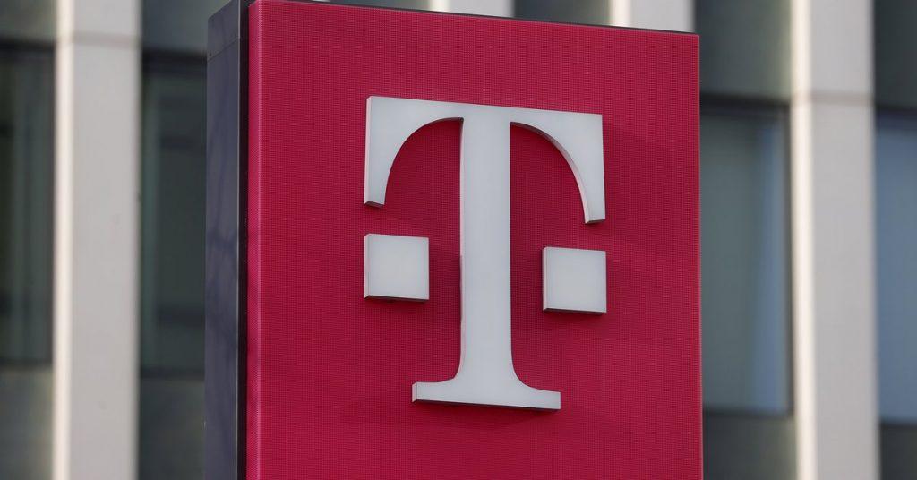Deutsche Telekom earns 2,815 million euros as of June, 68.6% more
