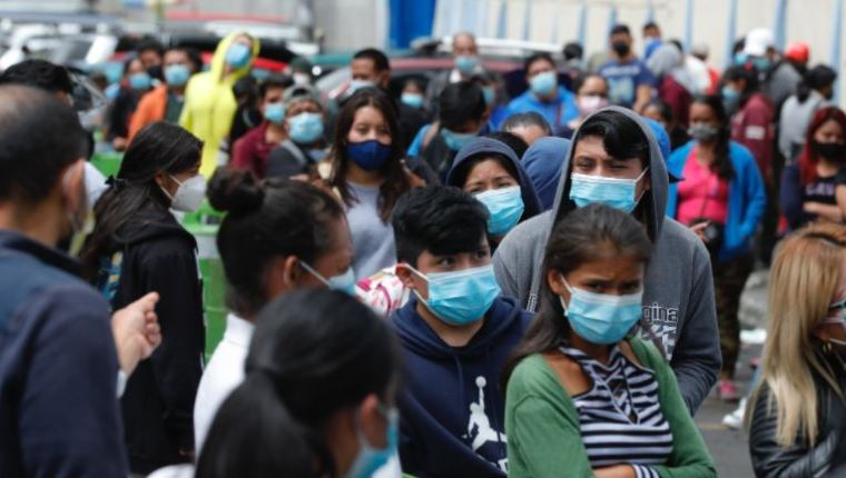 'We'd like to shut everything down': Health workers express fatigue with Covid-19, say restrictions can reduce cases - Spanish version
