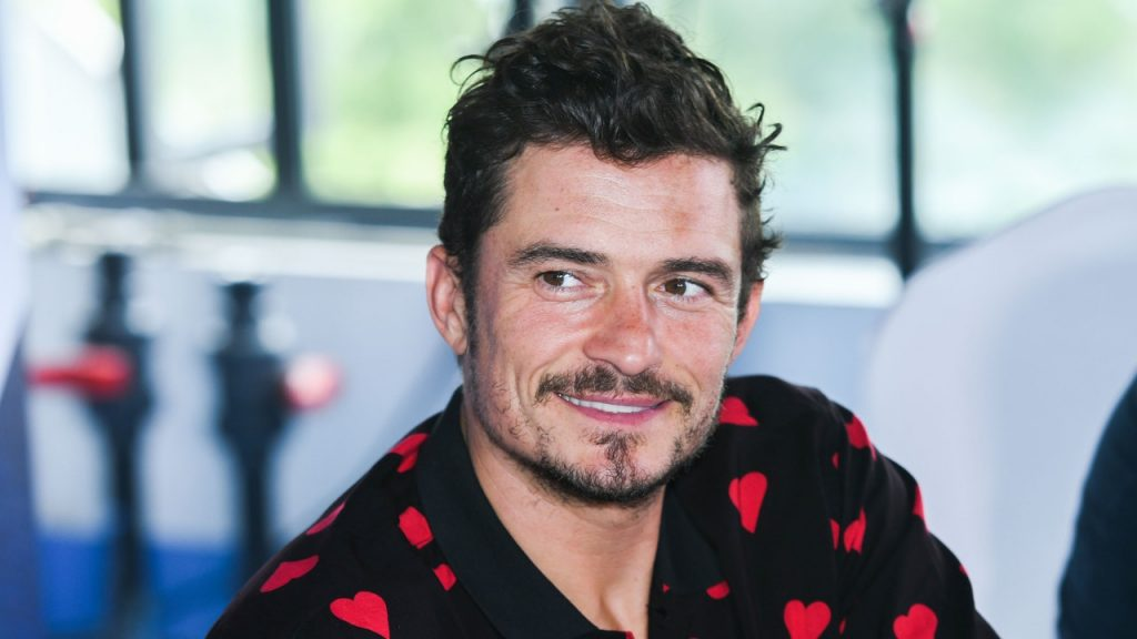 The horrific video of Orlando Bloom encountering a great white shark while he was paddling