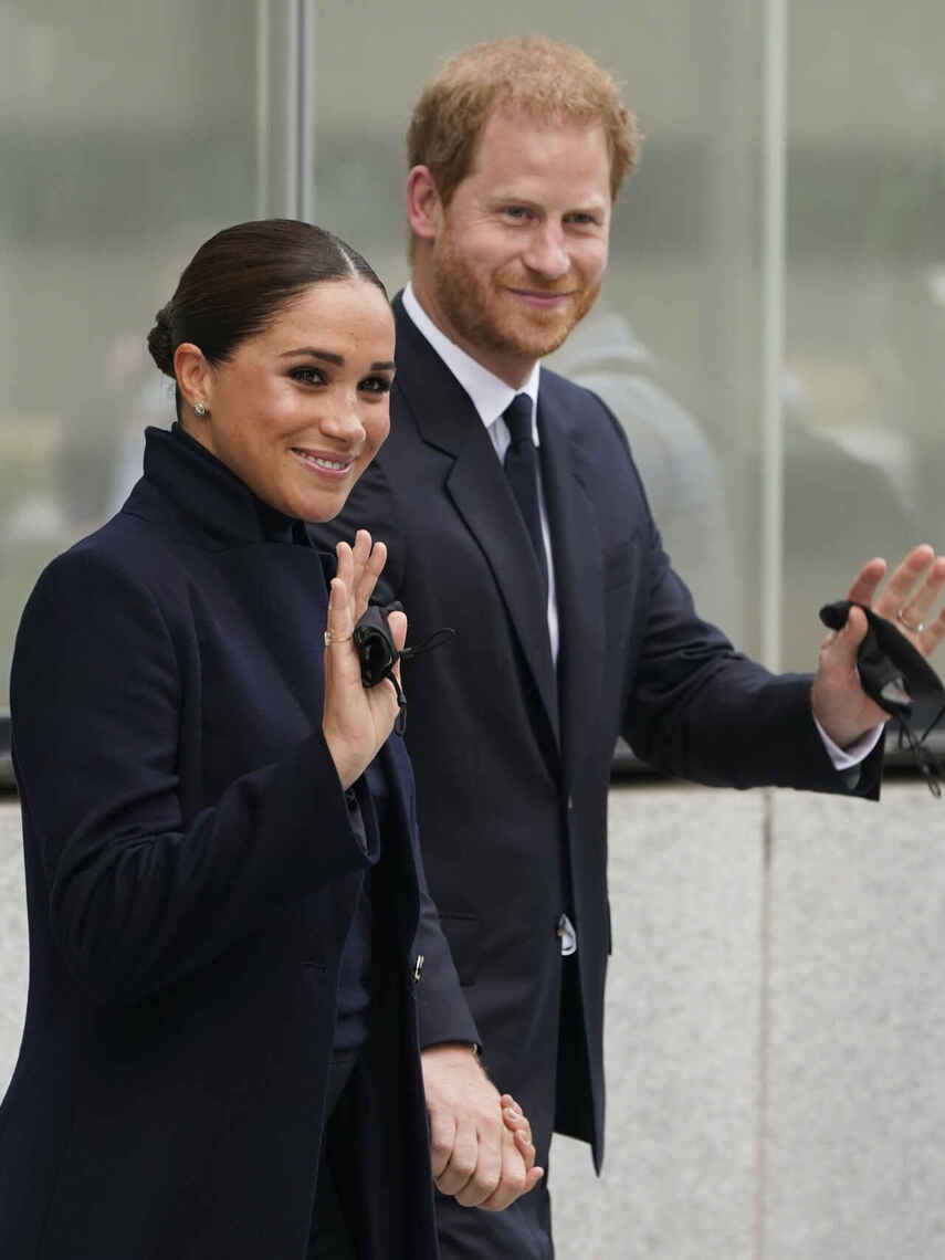 Meghan and Harry, greeting New Yorkers.