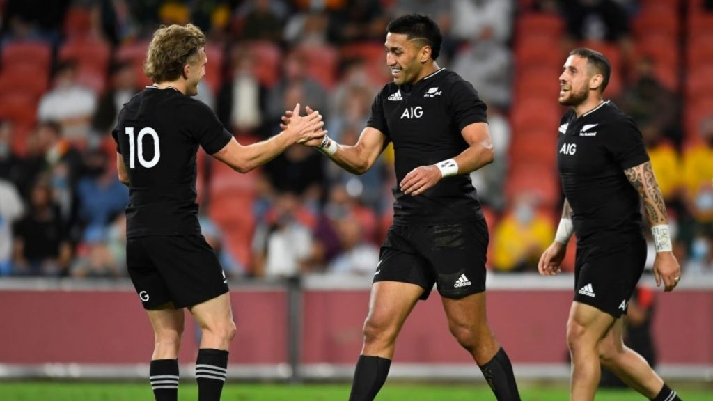 New Zealand will move South Africa from first place in the world rankings