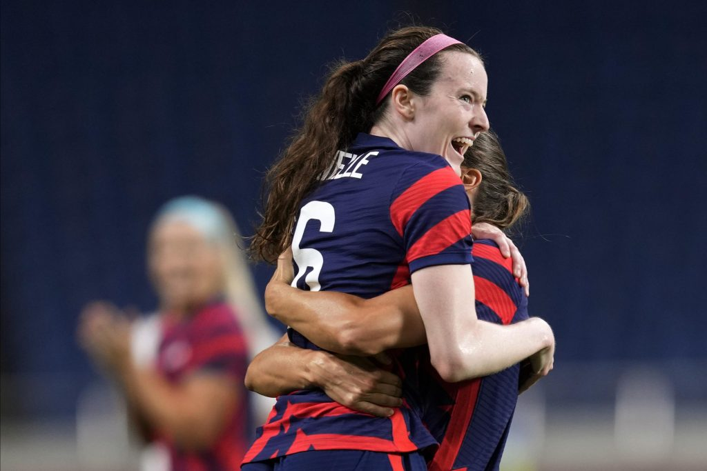 The United States recovered after the setback, beating New Zealand 6-1