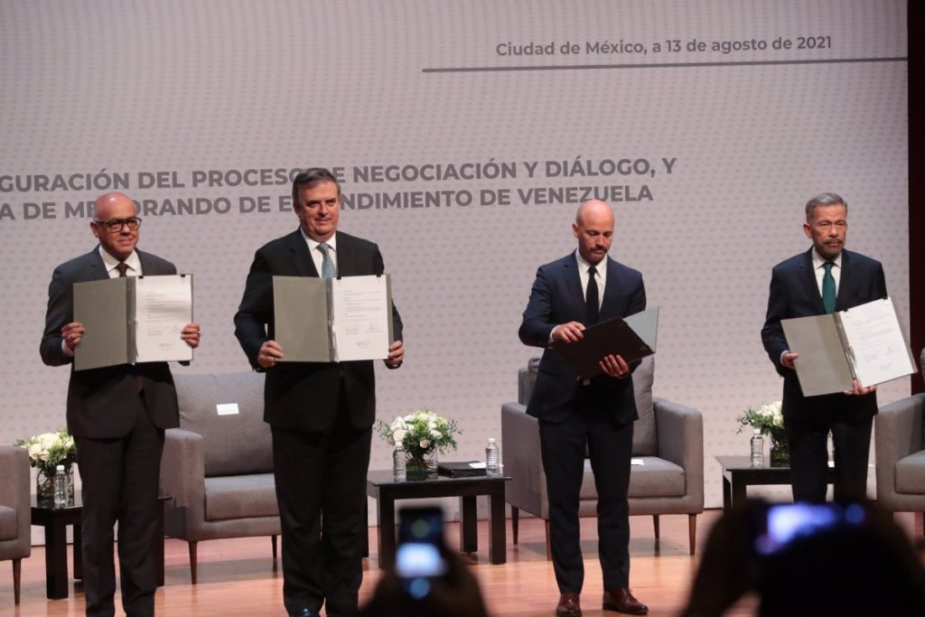 The third round of the Venezuelan dialogue has been postponed due to the absence of Maduro's delegation
