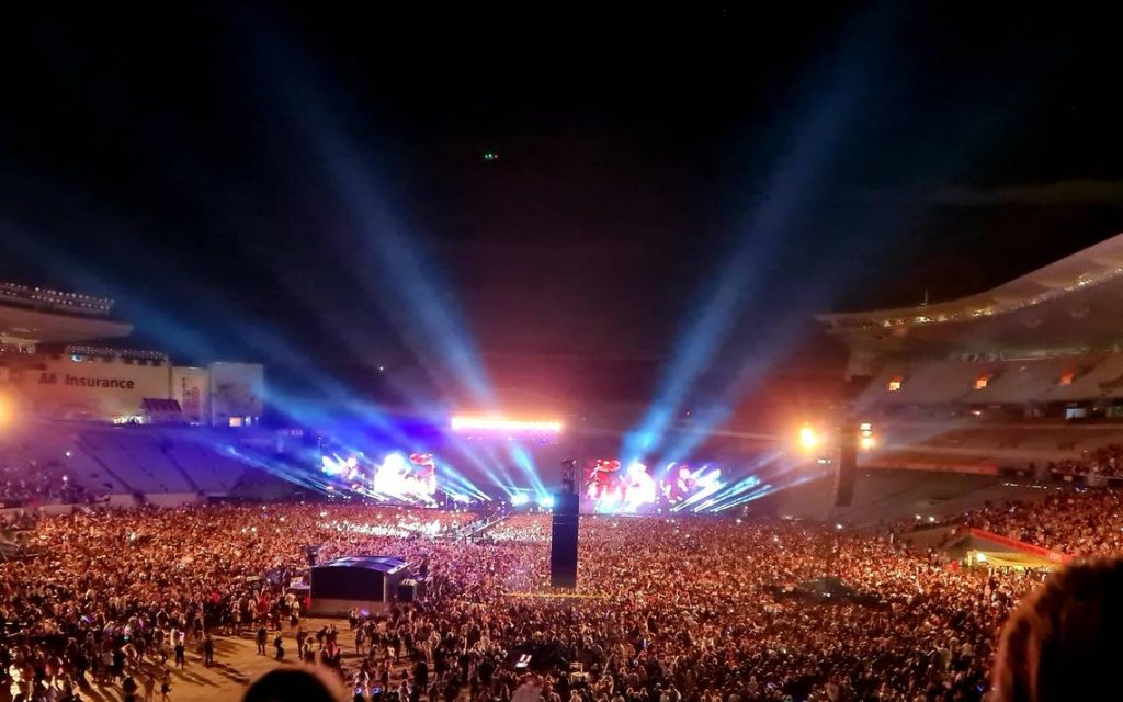 They are hosting a big concert in New Zealand with 50,000 people - El Sol de Mexico