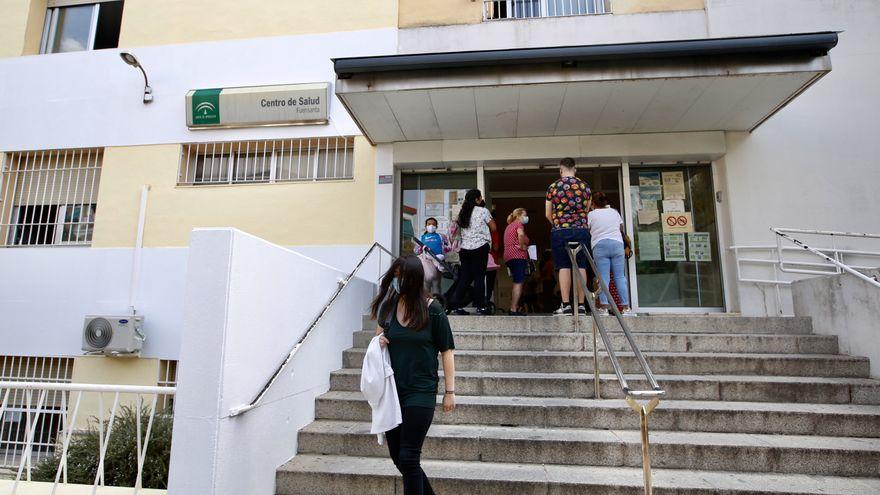 La atención presencial vuelve a los centros de salud de Córdoba pero sin haber bajado la alta demora para una cita