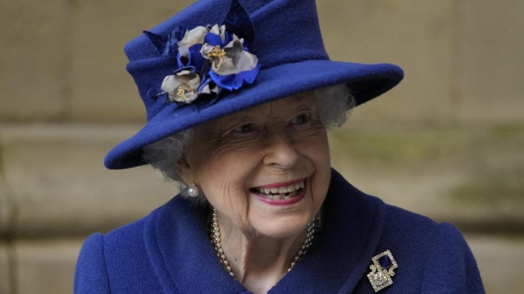 Queen Elizabeth II uses sugar cane for the first time after 17 years