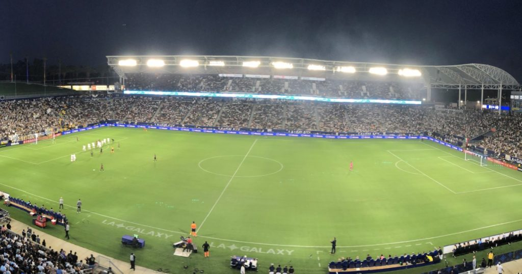 Galaxy and LAFC entertain, but once again end in a bitter tie