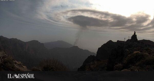What are the mysterious waves that appeared on the volcano of La Palma